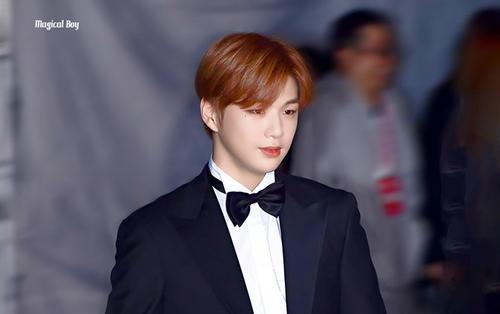 Vượt mặt Jimin (BTS), Kang Daniel tiếp tục dẫn đầu BXH thần tượng với số tuần liên tiếp ấn tượng dù đang 'ở ẩn'