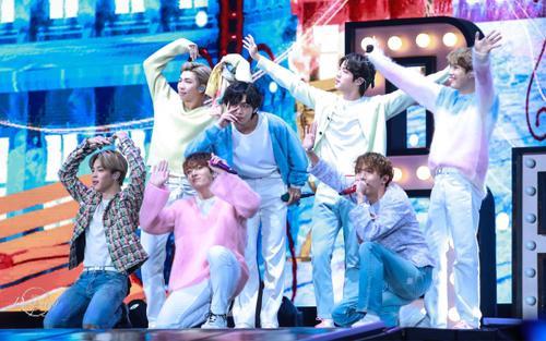 Không phải showcase, BTS 'chơi nổi' với hình thức đặc biệt giới thiệu album 'Map Of The Soul: 7'
