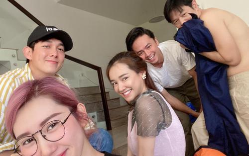 Tụ họp tại nhà Thái Hòa, Nhã Phương đóng cặp cùng Song Luân hậu bỏ lỡ 'Hậu duệ Mặt Trời'?