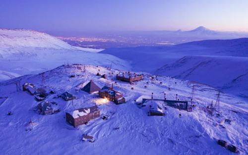 Cuộc sống của nhà khoa học giữa tiết trời -22 độ ở trạm nghiên cứu tia vũ trụ trên ngọn núi cao 3.200 m