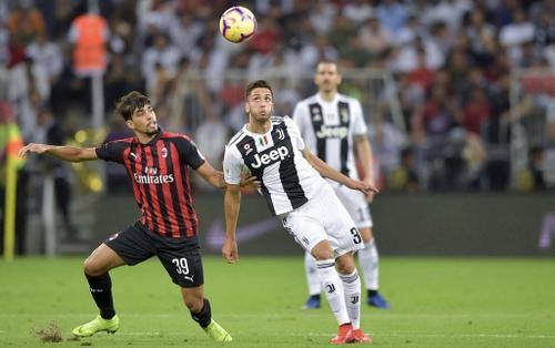 Lịch thi đấu bóng đá hôm nay ngày 13/2: Derby kịch tính nước Ý