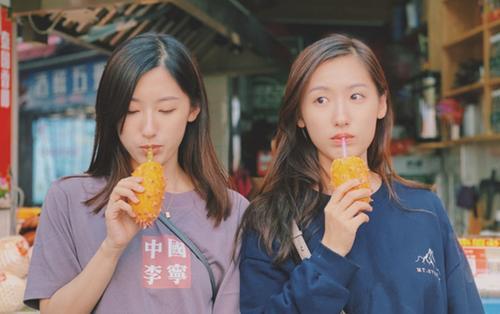 Cặp chị em sinh đôi xinh đẹp, giỏi giang nổi tiếng một thời khi cùng tốt nghiệp Đại học Harvard giờ ra sao?
