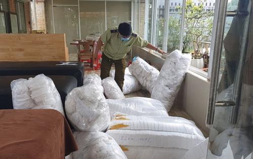 Thu giữ hàng chục nghìn chiếc khẩu trang tại cơ sở sản xuất không phép