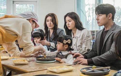 'Hi Bye, Mama!' tập 9: Cha Yo Ri liên tục 'thả thính' mẹ kế Seo Woo