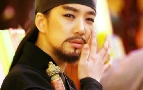 11 mỹ nhân Kpop sở hữu vẻ đẹp cực hút hồn khi giả trai
