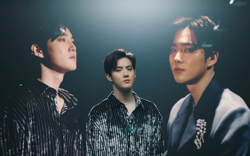Suho (EXO) chốt sổ đường đua Kpop tháng 3 khắc nghiệt với vocal 'lụi tim' fan trong bản tình ca debut solo 'Let's Love'