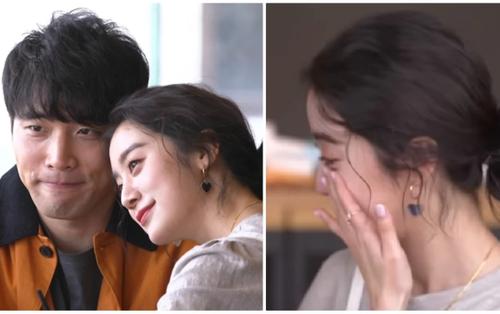 Hyelim (Wonder Girls) lần đầu tiên tiết lộ về bạn trai 7 năm, xúc động không cầm được nước mắt