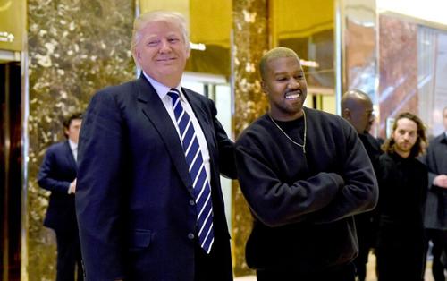 Loạt sao Hollywood ăn mặc kín cổng cao tường khi gặp tổng thống