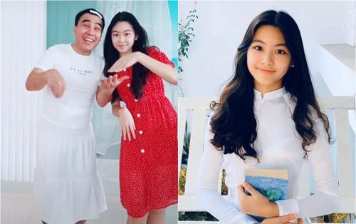 MC Quyền Linh mặc váy đi dép tổ ong 'đu trend' cùng con gái khiến khán giả 'cười ngả cười nghiêng'