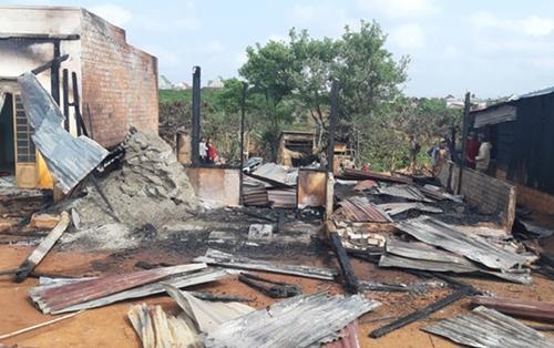 Hỏa hoạn nghiêm trọng thiêu rụi hoàn toàn nhà dân ở Lâm Đồng, 2 căn nhà liền kề bị thiệt hại nặng nề