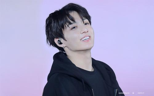 Qua mặt Jennie (BlackPink), Jungkook (BTS) lập kỉ lục bài hát solo Kpop xuất hiện lâu nhất trên Billboard World Digital Song Sales