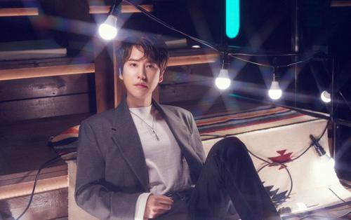 Kyuhyun (Super Junior) tung loạt ảnh mới, mở màn cho màn trở lại của K.R.Y.