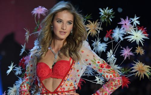 Người mẫu 9X của Victoria's Secret bật mí cách giảm 5 kg trong một tháng