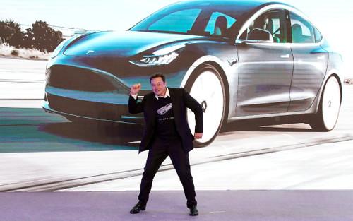 Vượt Toyota, Tesla thành nhà sản xuất xe giá trị nhất thế giới