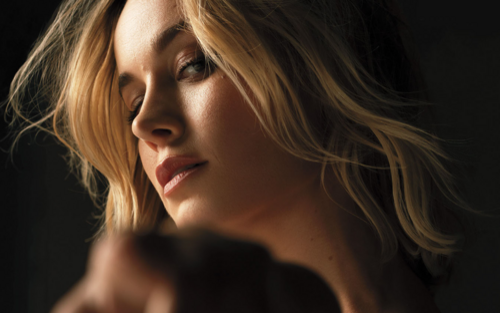 Với lời mời của Warner Bros., liệu Brie Larson sẽ trở thành nữ diễn viên siêu anh hùng đầu tiên xuất hiện ở cả hai vũ trụ Marvel và DC?