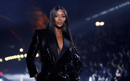 'Báo đen' Naomi Campbell khóc ấm ức vì bị phân biệt chủng tộc lúc mới vào nghề