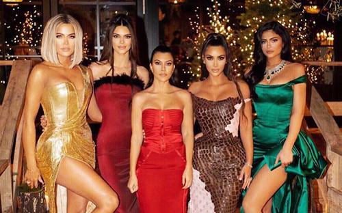 Soi mặt mộc của chị em nhà Kardashian: Liệu còn hoàn hảo khi thiếu đi lớp son phấn?