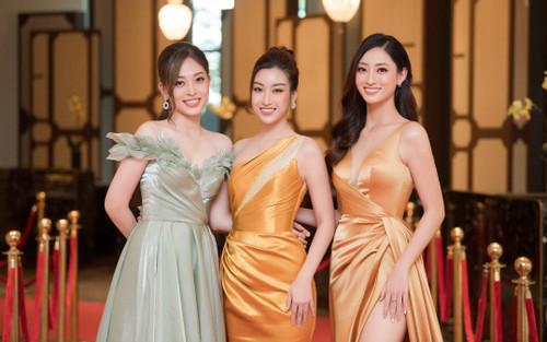 'Cân đẹp' màu vàng quyền lực, team hoa hậu Đỗ Mỹ Linh, Lương Thùy Linh, Phương Nga lộng lẫy tựa nữ thần