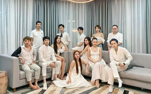 Đông Nhi viết tâm thư cho 'Gia đình văn hoá' sau chuyến du lịch sang chảnh