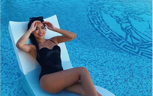 Vì sao em chồng Hà Tăng vừa thấp vừa nhỏ vẫn mặc bikini đẹp như người mẫu?