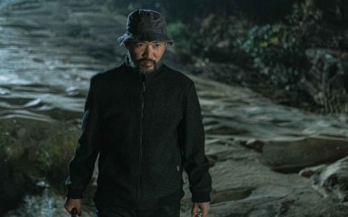 'Choáng' với tạo hình khác lạ không nhận ra của Tiến Luật với vai kẻ phản diện sát nhân trong 'Song song'