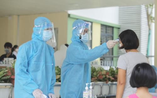 Thêm 12 ca nhiễm COVID-19 tại Đà Nẵng, có cháu bé mới 2 tuổi