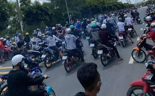 Cả trăm thanh niên tụ tập đua xe trái phép, làm náo loạn đường phố