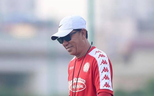 CLB TPHCM có bị 'đè ngửa', hay niềm tin ở V.League đang cạn dần?