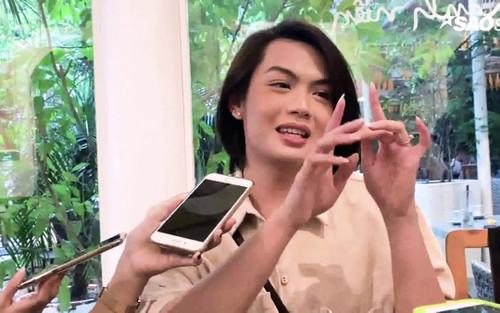 Đào Bá Lộc: 'Có đợt chồng bị trừ lương, thương quá tôi bảo về em nuôi'