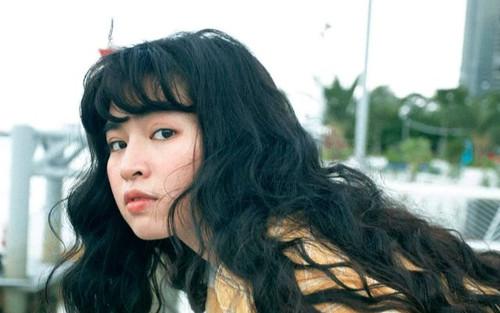 Khánh Vân 'Mắt Biếc' lên tiếng vì bị chỉ trích để bà nội đi bán hàng rong ngoài đường