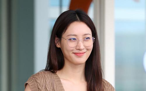 Diễn viên Kim Soo Hyun hạ sinh con gái đầu lòng: Sao Hàn chúc mừng!