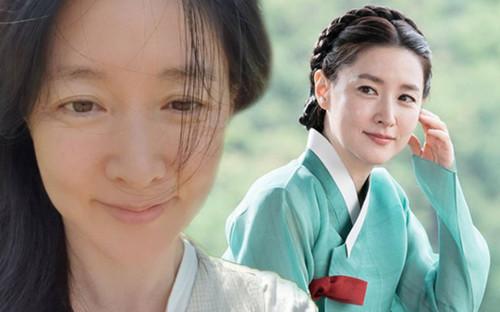 Nàng 'Dae Jang Geum' Lee Young Ae lộ nếp nhăn khi khoe mặt mộc tuổi 50