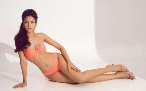 Miss Earth Vietnam 2020 Thái Thị Hoa khoe dáng đồng hồ cát, làn da nâu bóng giòn cùng bikini