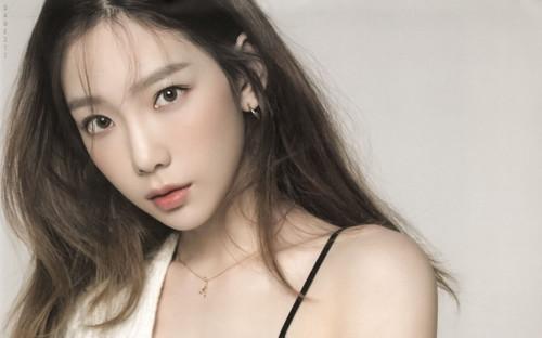 Một sự trùng hợp ngẫu nhiên của 2 chị em Taeyeon - Ha Yeon khiến các fan phấn khích