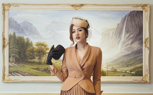 Á hậu Tú Anh gợi ý mặc đẹp với phong cách Retro những năm 50