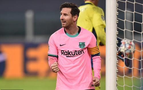 Juventus 0-2 Barca: Không Ronaldo, Messi hóa ngôi sao