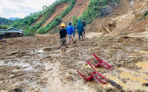 Vụ sạt lở làm 11 người mất tích ở Quảng Nam: Đã có 5 thi thể được tìm thấy