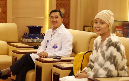 Nữ sinh ĐH Ngoại thương mắc ung thư báo tin vui, chính thức xuất viện sau hơn 1 năm điều trị