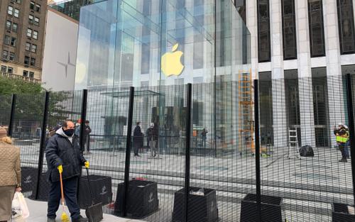 Apple Store dựng rào chắn phòng bạo loạn sau bầu cử Tổng thống Mỹ