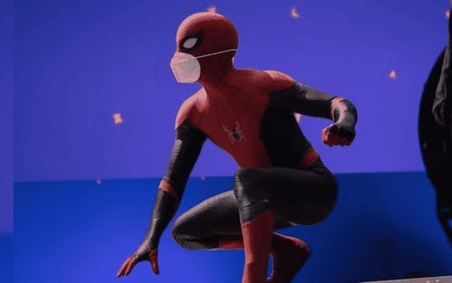 Tom Holland tiết lộ hậu trường 'Spider-Man 3': Có là siêu anh hùng cũng phải đeo khẩu trang