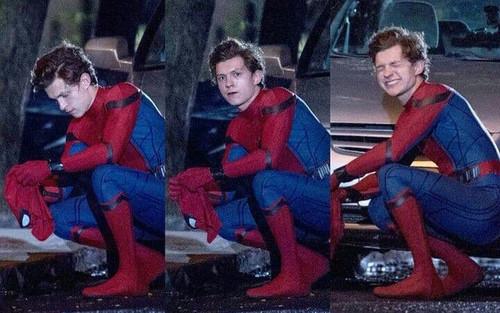 Tom Holland lại nhọ khi tiếp tục để lộ hình ảnh về bom tấn 'Spider-Man 3'