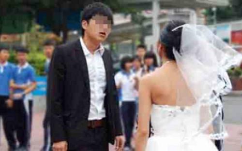 Bị đòi thêm phí đón dâu, chú rể bực dọc đưa ra tuyên bố gây sốc với cô dâu