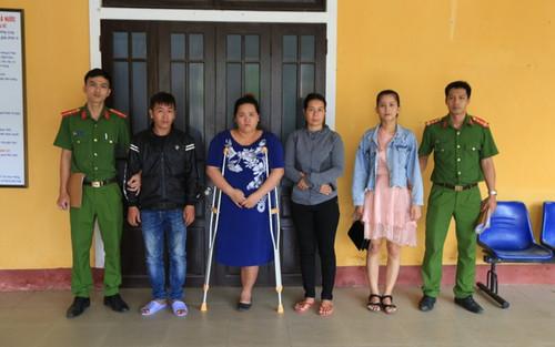 Vụ đánh ghen kinh hoàng ở Huế: Thấy cô gái ngồi cùng chồng của một người trong nhóm nên xông vào đánh