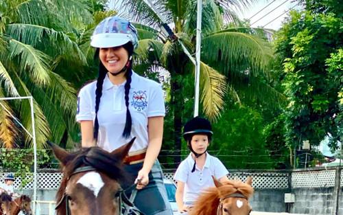 Diva Hồng Nhung tiết lộ bí quyết để các con không dán mắt vào điện thoại