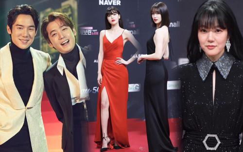 'MAMA 2020': Sooyoung bị bạn trai 'ghẻ lạnh', Park Ha Sun lộ vòng 3, Park Seo Joon tái hợp với V (BTS)