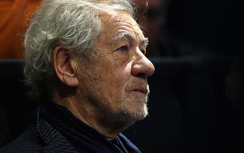 'Thật phấn khởi': Cảm xúc của nam diễn viên Ian McKellen khi nhận được liều vắc xin ngừa COVID-19
