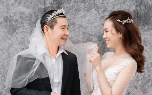 Full ảnh cưới lần 3 'nét căng' của Công Lý, không ngại mang cả khăn voan đúng kiểu danh hài quốc dân
