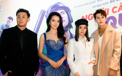 Karen Nguyễn diện đầm ren gợi cảm, đọ sắc cùng Hoàng Yến Chibi trong họp báo 'Người cần quên phải nhớ'
