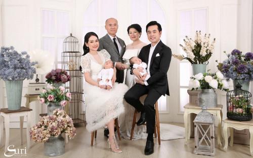 Nhạc sĩ Dương Khắc Linh đón năm mới cùng gia đình nhỏ và ông bà nội