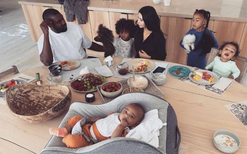 Cùng nhìn lại những khoảnh khắc ngọt ngào nhất của gia đình Kim và Kanye